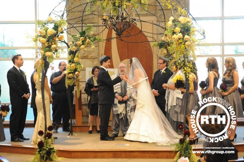Jewish Wedding Traditions.Jewish Wedding Traditions Take A Modern Twist Rock The House
