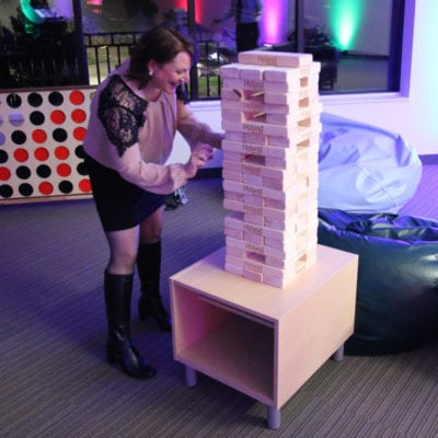 HOLIDAY PARTY ENTERTAINMENT - GIANT GAMES, GIANT JENGA