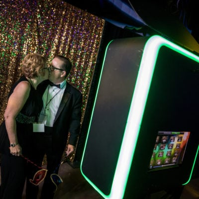 HOLIDAY PARTY ENTERTAINMENT - PHOTO BOOTHS