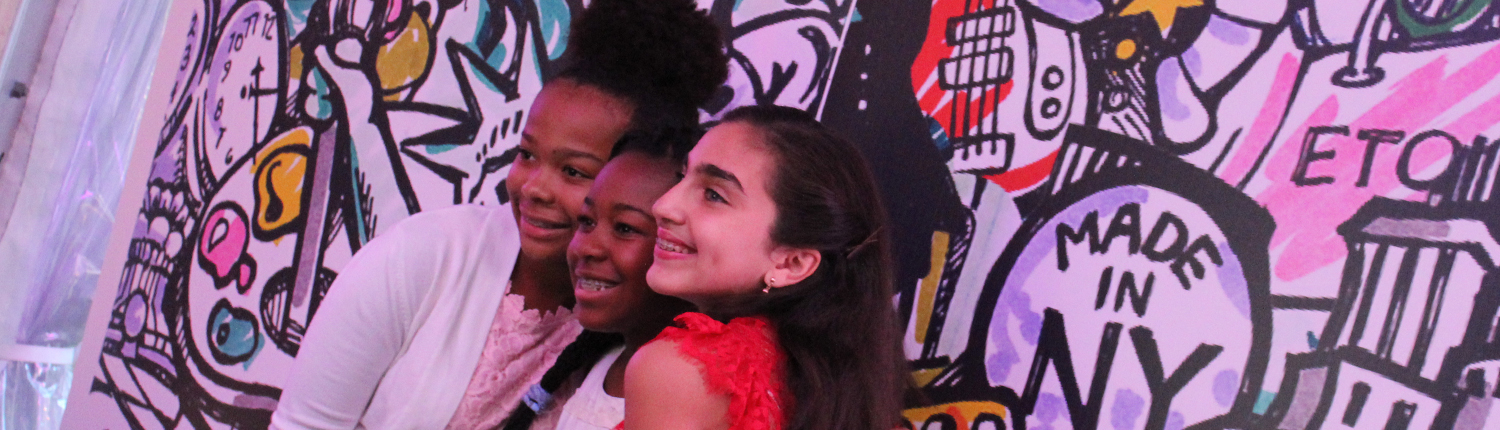 ROCK THE HOUSE - CLEVELAND MITZVAH PHOTO BOOTHS